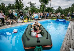 Įmonės šventė: Pool party